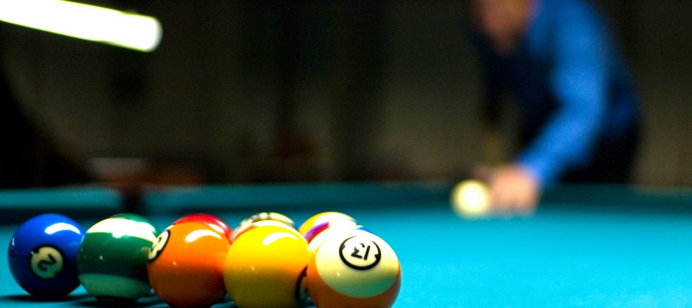 Break, 8-Ball, Pooltisch